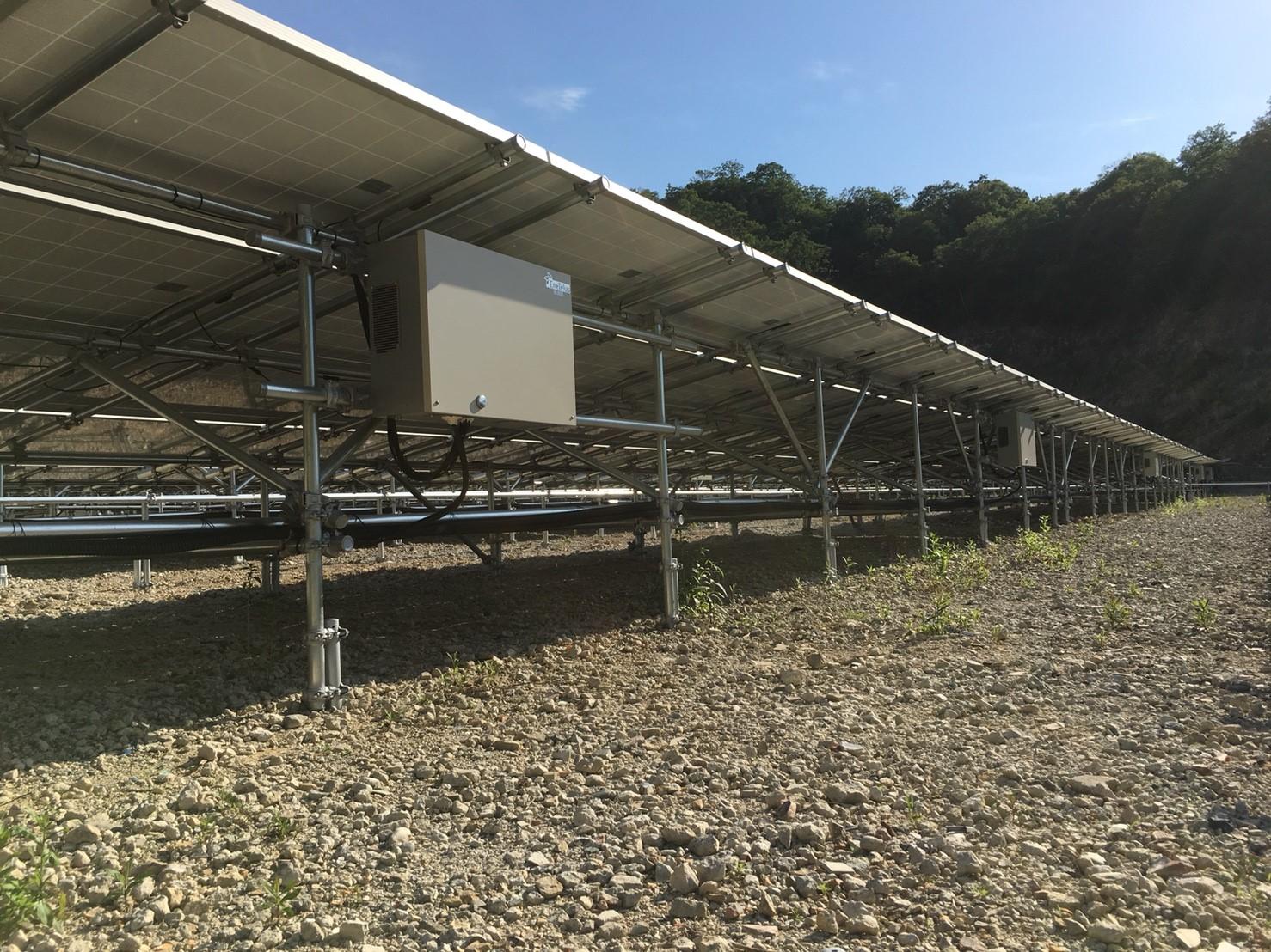 K社様 台風災害における復旧工事 (当初施工店の破綻につき)  架台設置から全改修 400kW