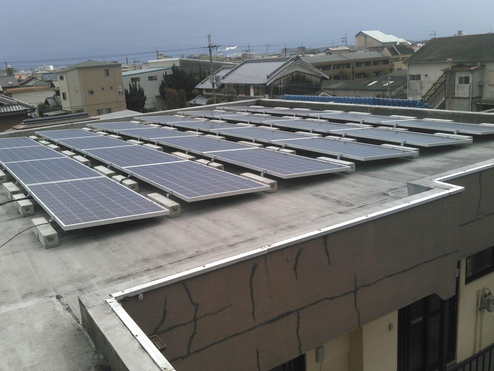 H社様 集合住宅屋上陸屋根 置き基礎架台 22.3kW